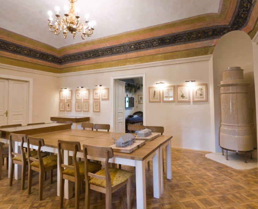 Helia-D Herba-kastély Szépség- és kastélytörténeti kiállítás